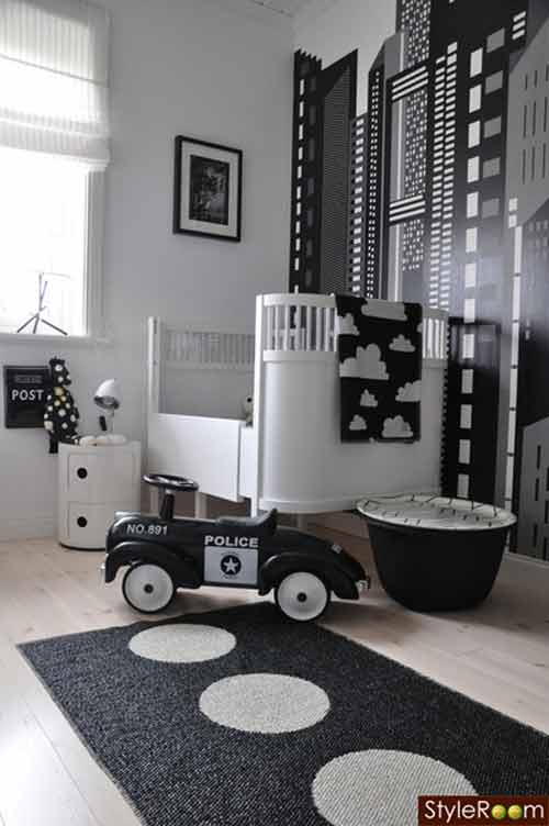 http://www.nordikdeco.com/wp-content/uploads/2012/09/Black-and-White-Baby-Nursery.jpg